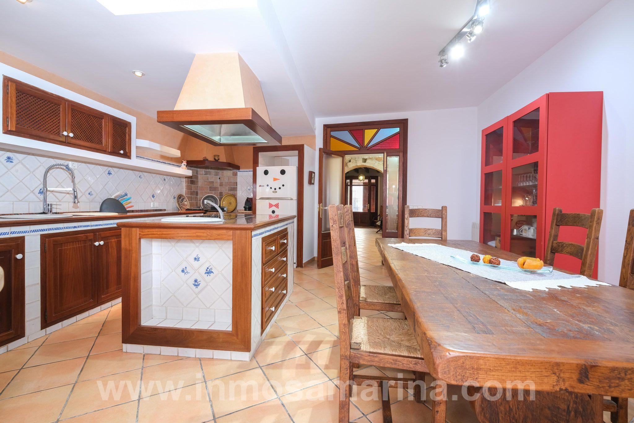 Casa de 4 habitaciones en Petra, Alquiler