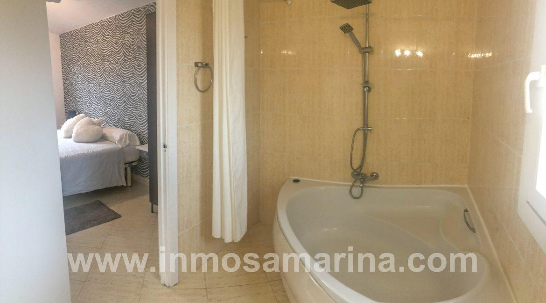 baño en suite+ hab 1 primera planta