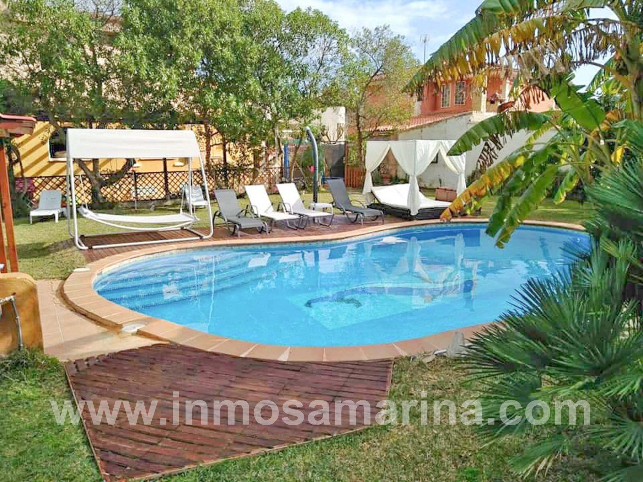 chalet con piscina para 16 personas, Alquiler Vacacional