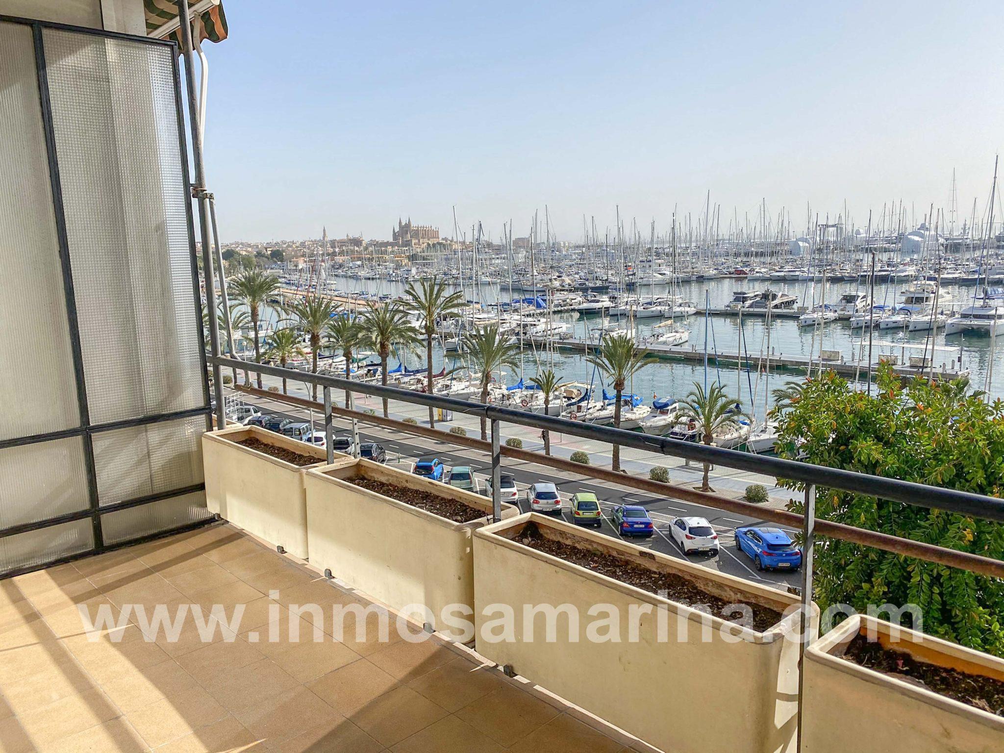 piso en primera línea con excelentes vistas a la Bahía de Palma