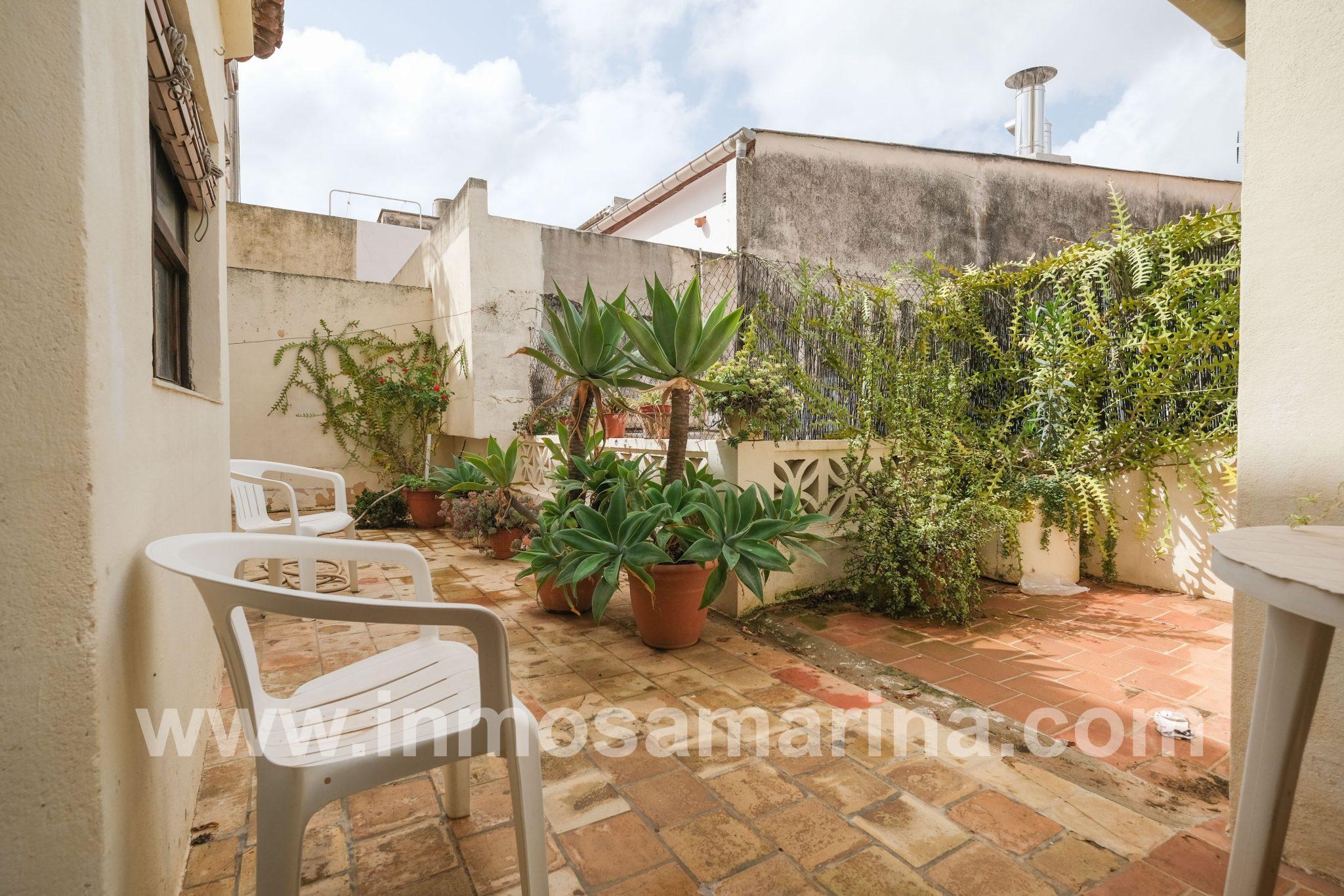 Piso con patio interior, venta, Inca